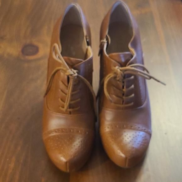 Crown Vintage Tessford booties